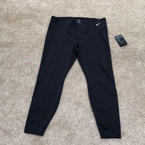 NWT! Nike 2X black full length high rise leggings.